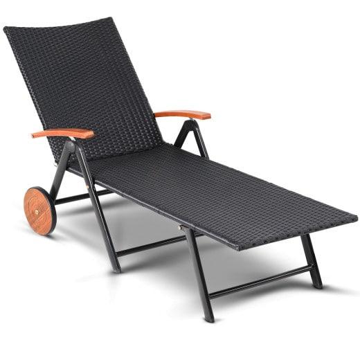 Chaise longue en polyrotin alu transat pliable roues accoudoirs en bois d''acacia